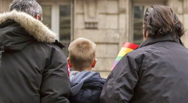 Nombre demonio homosexual parenting